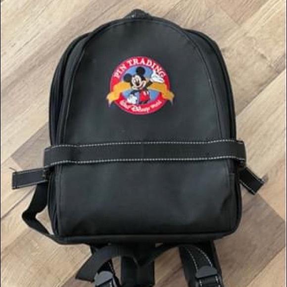 Disney pin traders backpack and 90 pins